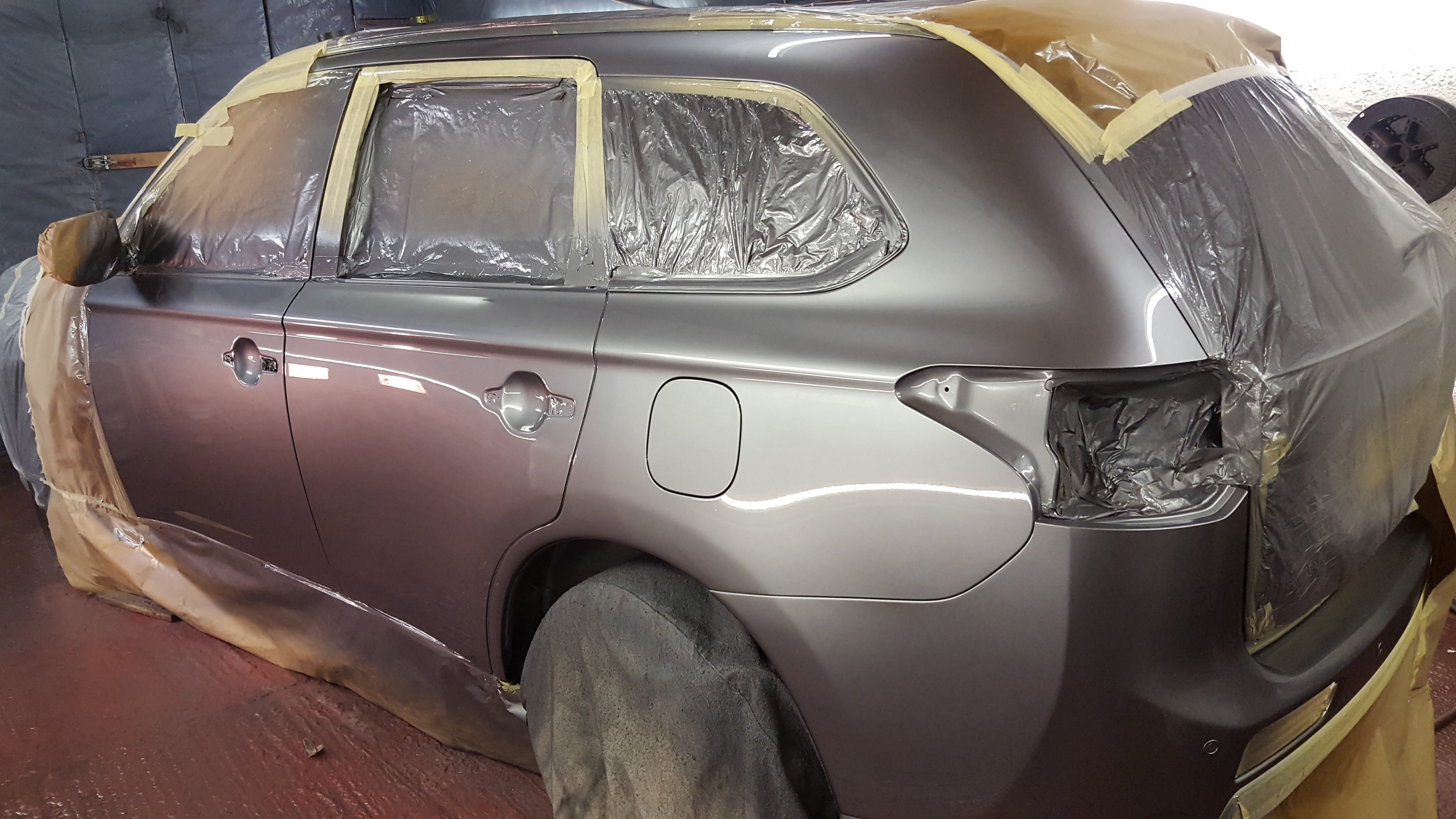 Vehicle painted in spraybooth