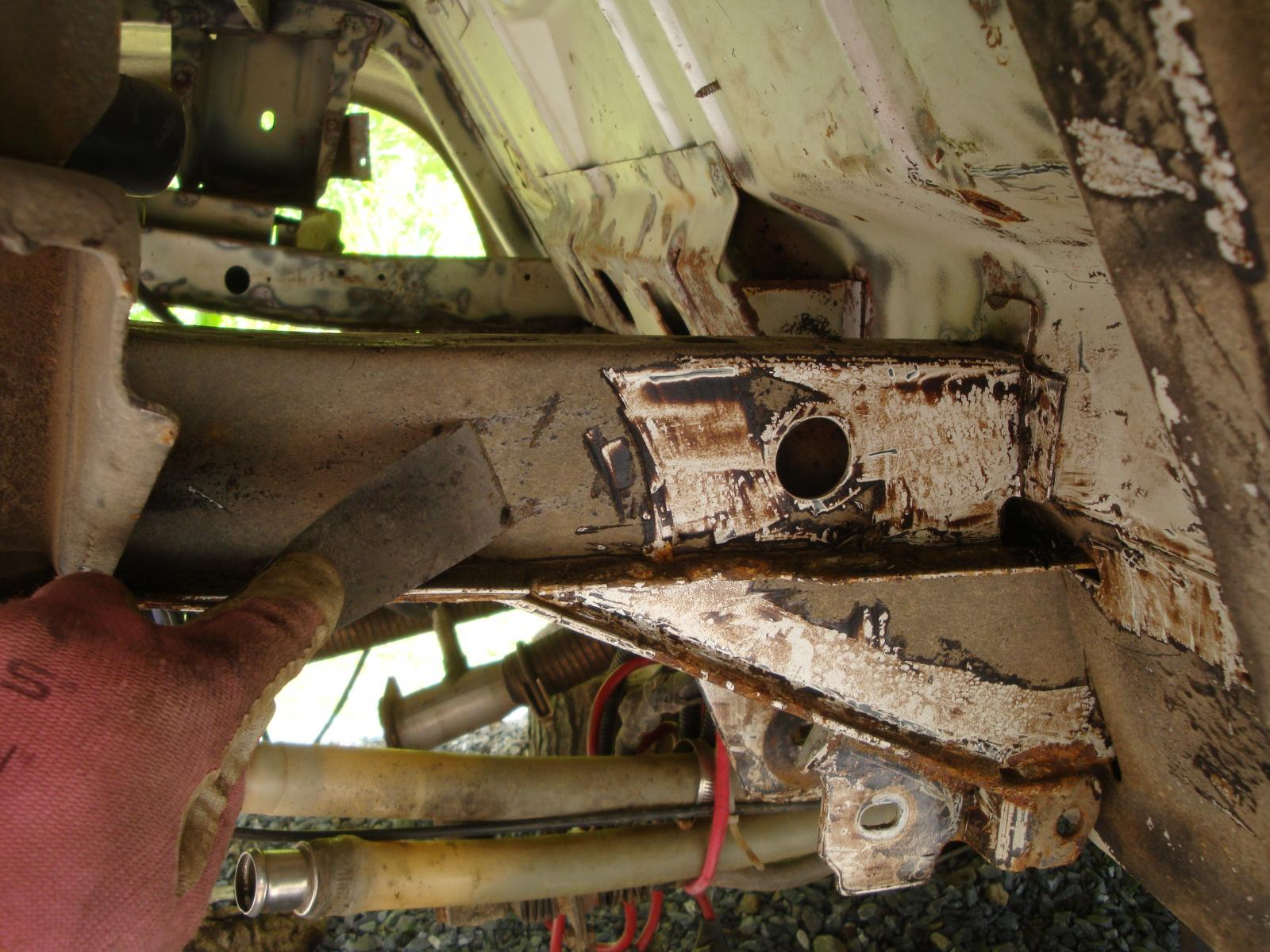Underbody dirt corrosion and underseal removal